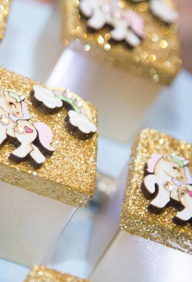 Wooden gift box with glitter