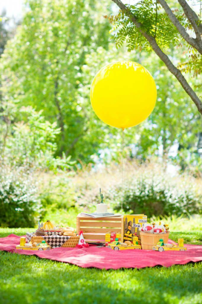 Simple picnic style children's party