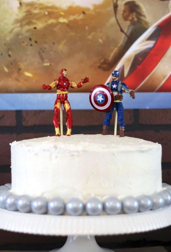 Simple cake for Avengers party