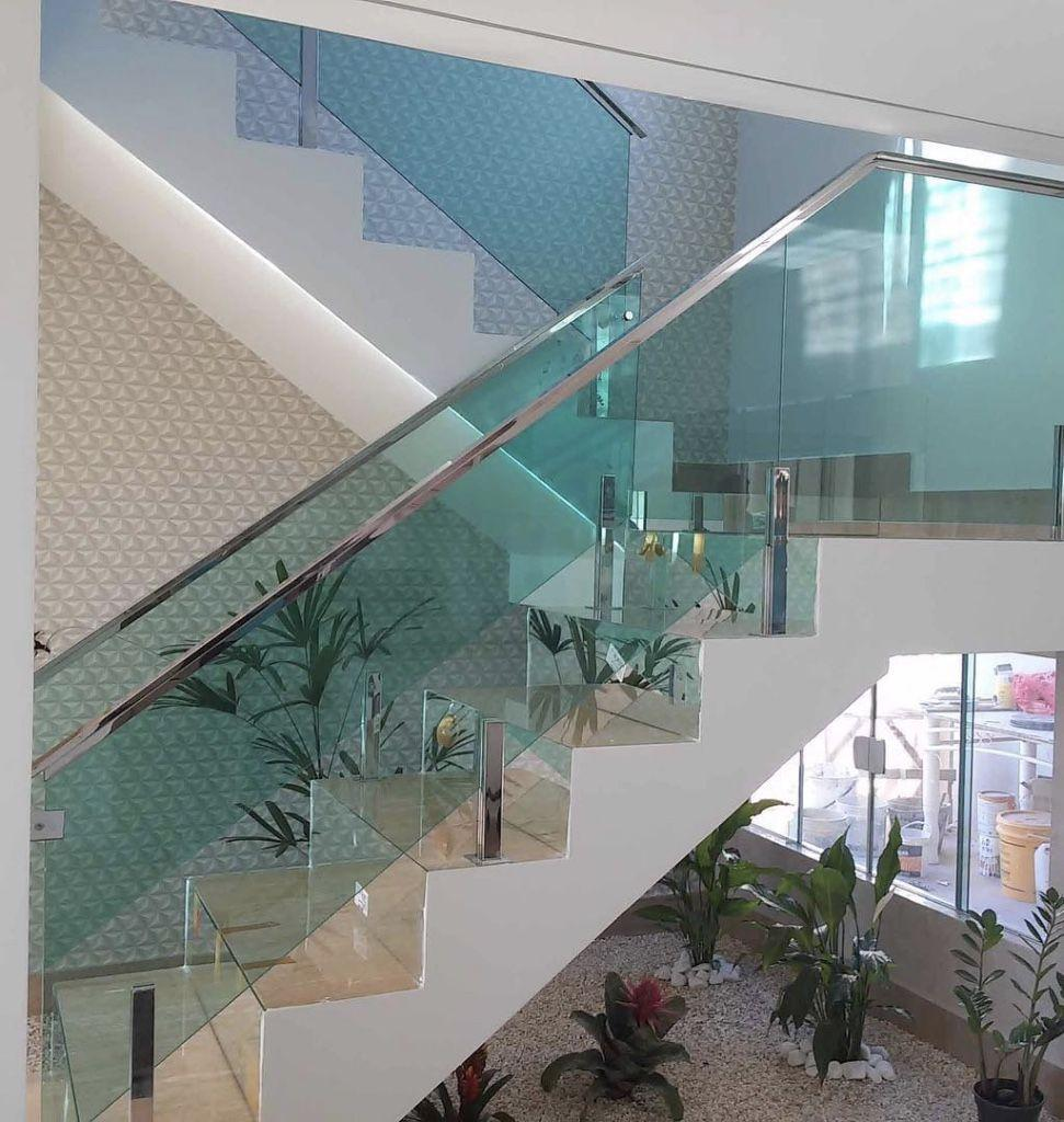Stainless steel handrail: see tips and 60 models with photos 20