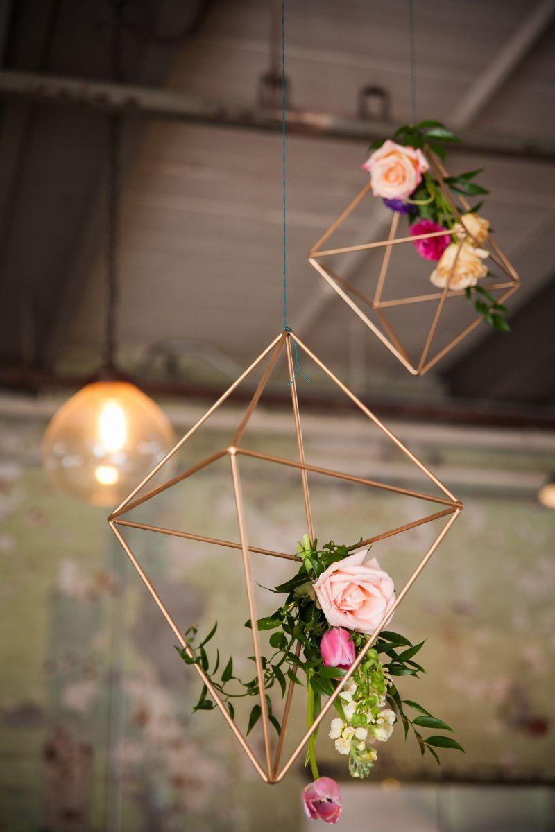 Metallic prisms in wedding decoration 2018