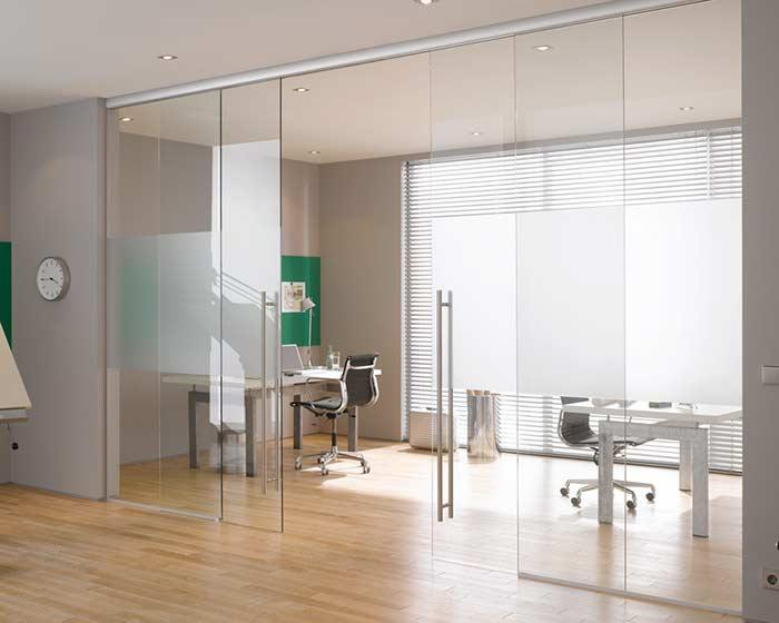 Simple and functional glass door in the right measure