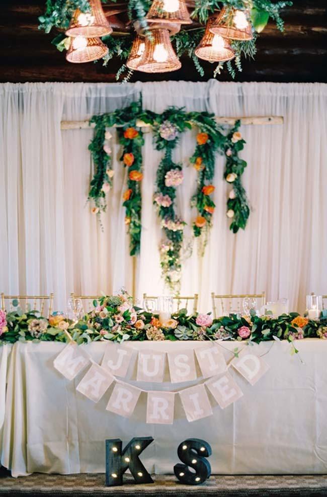 Flowers oranges in wedding decoration 2018