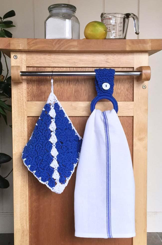 Blue Anil the Dish Cloth Holder makes a harmonious contrast with the countertop wood