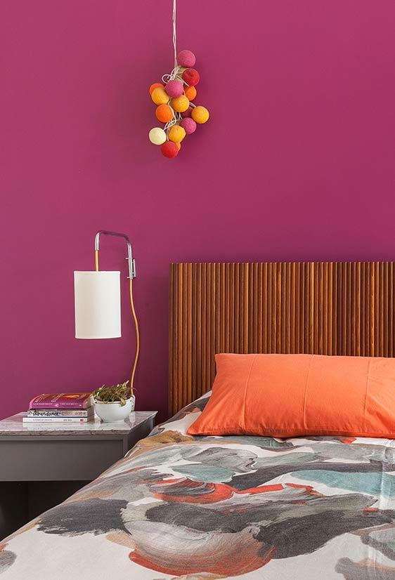 Dark pink shades for bedroom wall