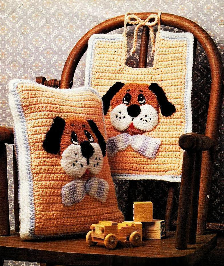 Cushion-of-croche-with-drawing-4