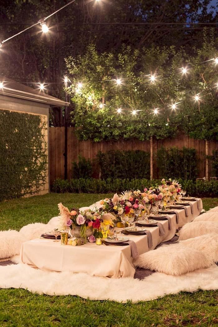 Cheap wedding: chairs for what?
