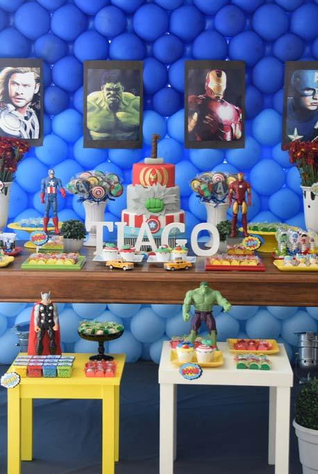 Decoration of the main table of the Avengers