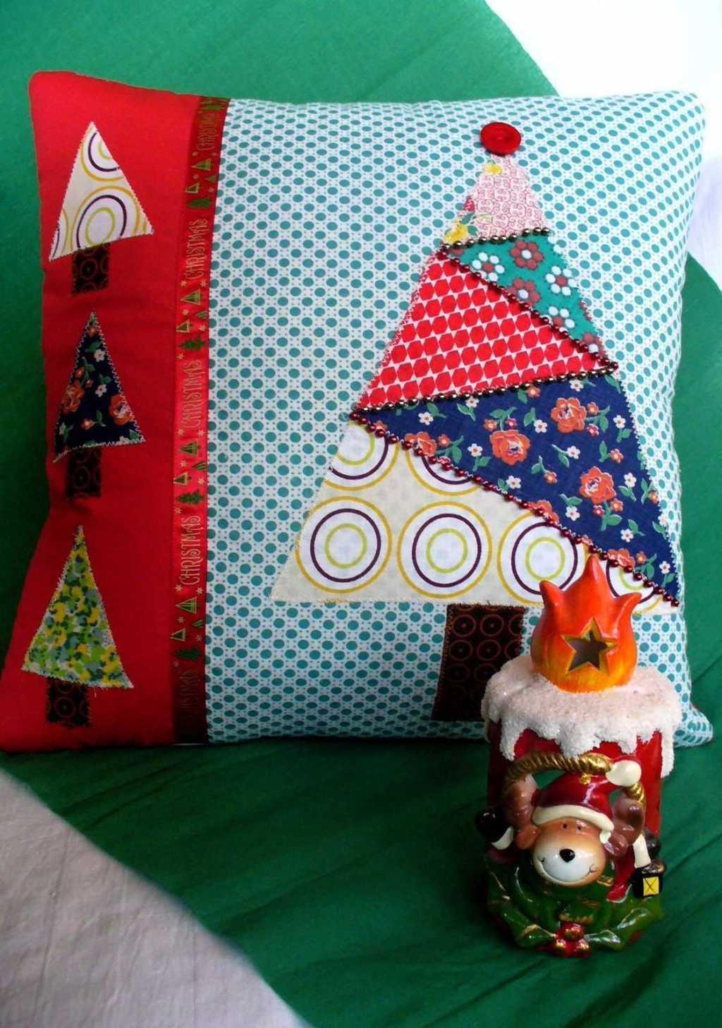 Christmas Cushions: 60 Ideas for Decorating and How to Make 39