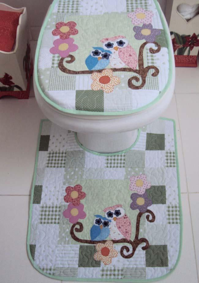Charming patchwork in the owl game for the bathroom