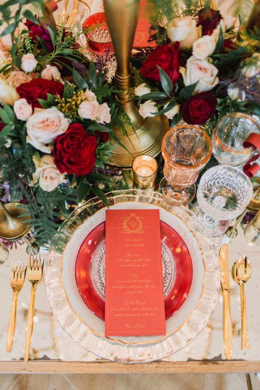 Golden wedding decoration: 60 ideas with photos to inspire 16