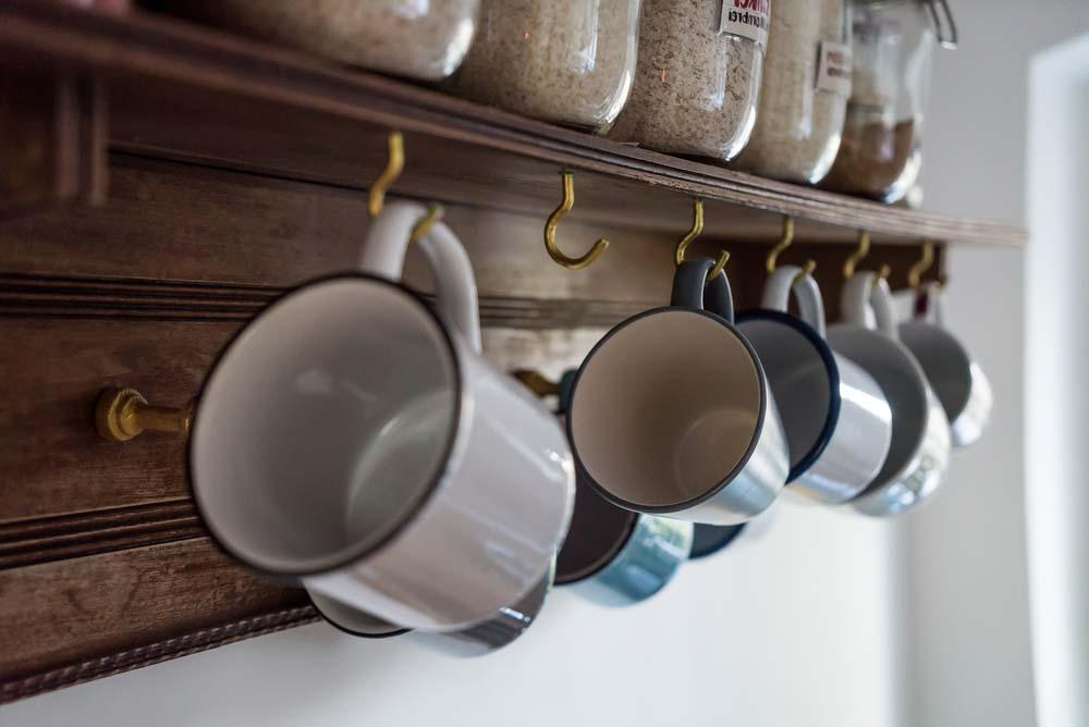 How to organize kitchen with hooks