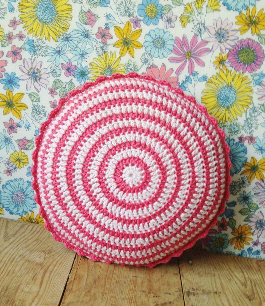 Pillow-of-croche-round-2
