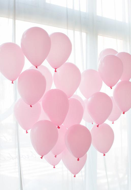 Decoration with pink balloons for simple engagement party