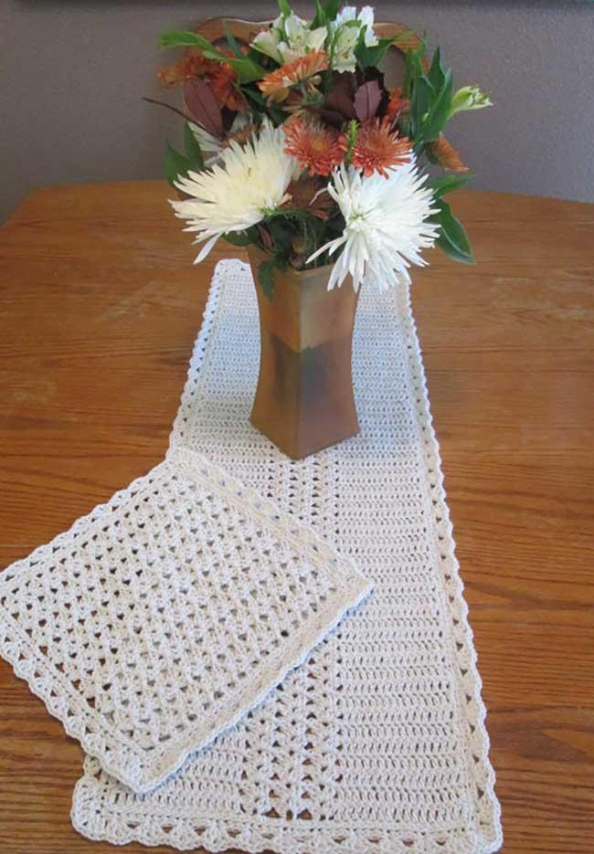 Crochet table path: current ideas to inspire 1