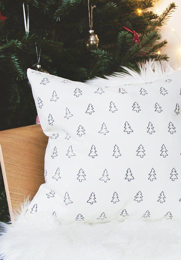 Christmas Cushions: 60 Decorating Ideas and How to Make 50
