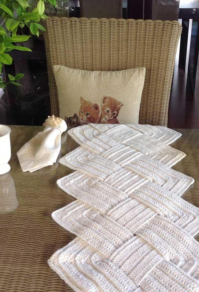 Interlaced Crochet Table Path