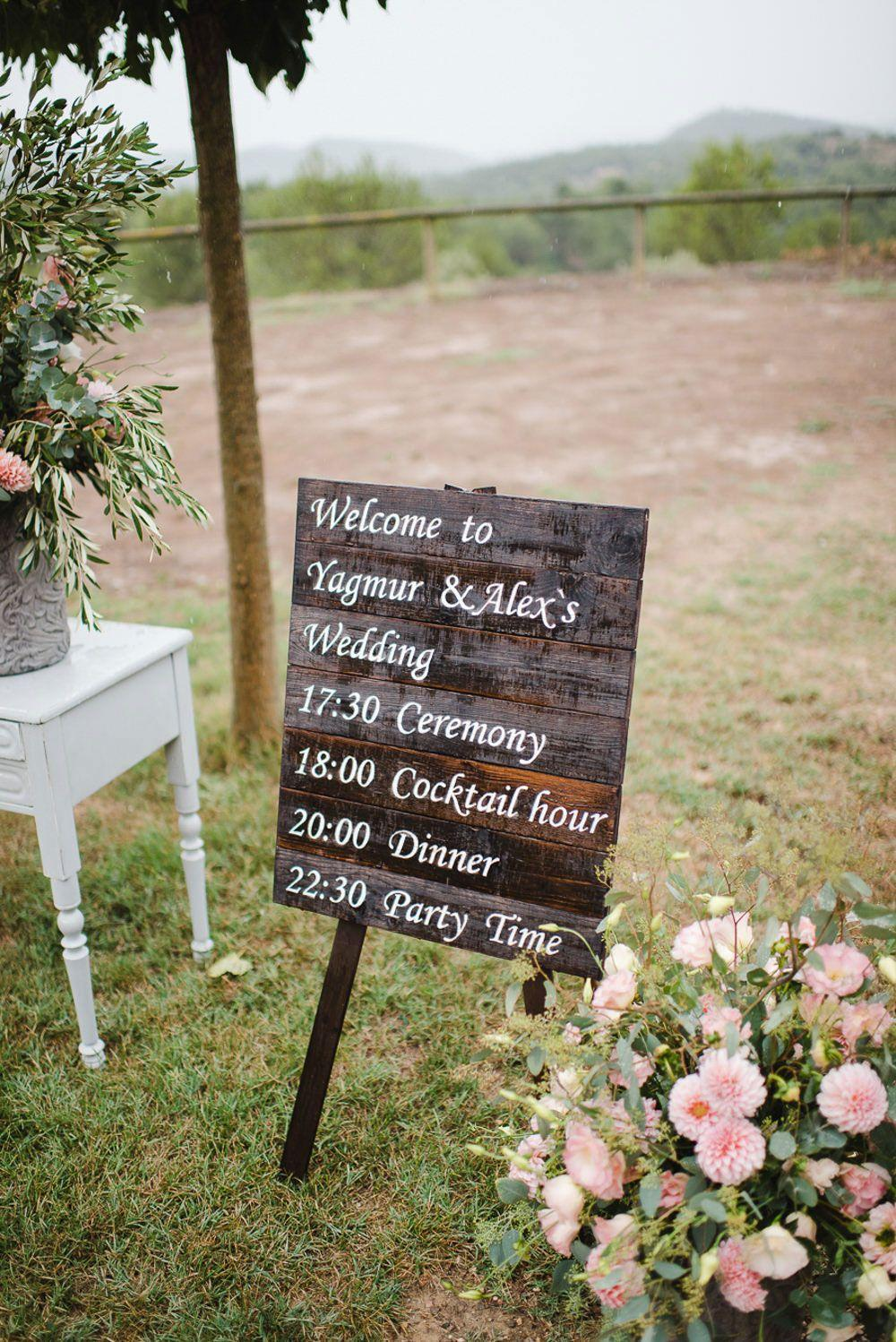 Simple Wedding Decorating: 95 Smashing Ideas to Be Inspired 24