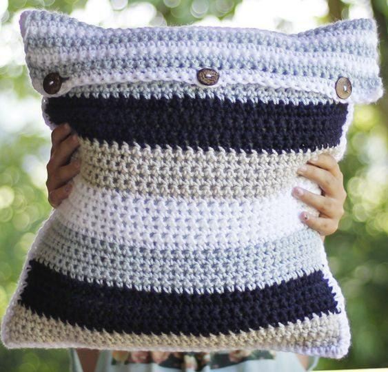 Cushion-of-croche-color-11
