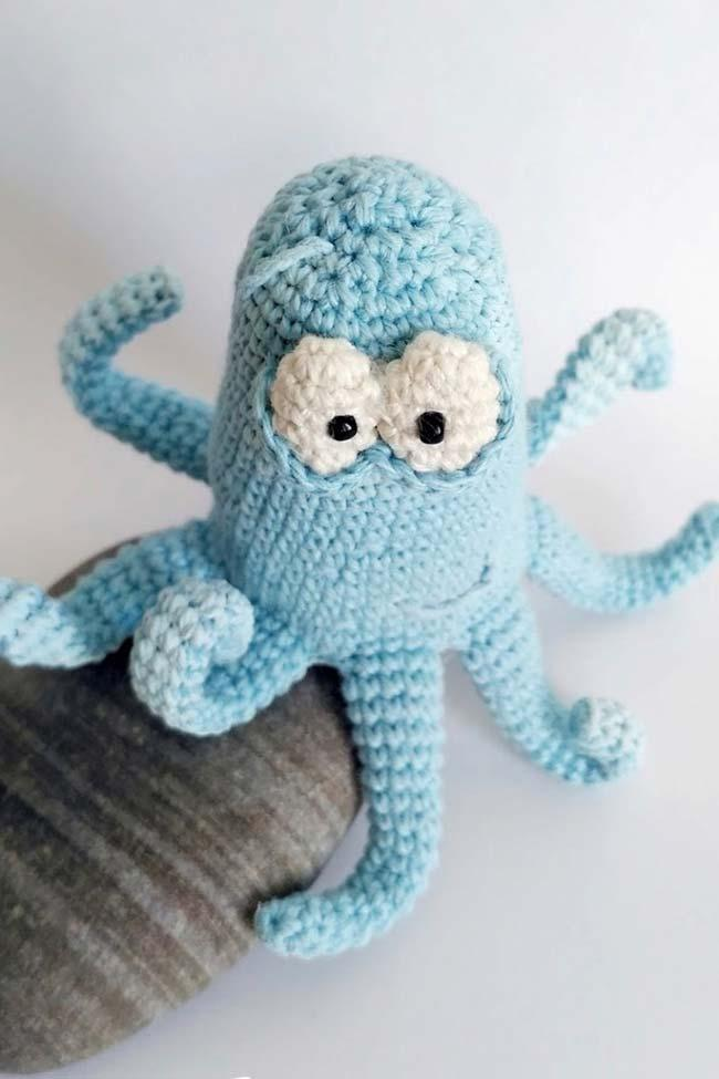 Mini crochet octopus to take away