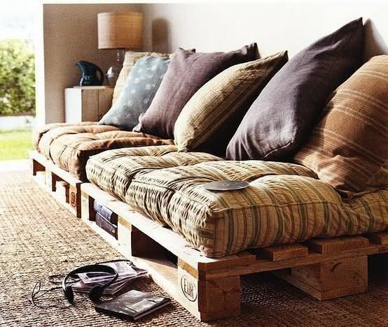 Rustic and comfortable pallet sofa
