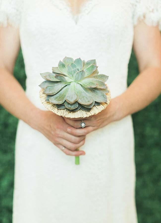 Ever thought of marrying a bouquet of succulents