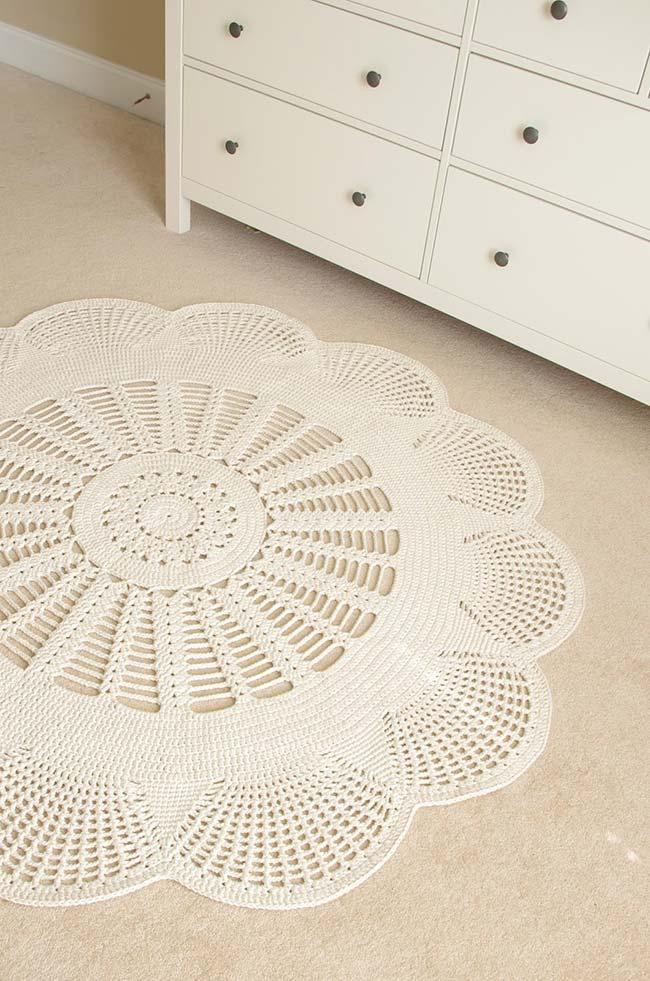 Round crochet rug for children's room