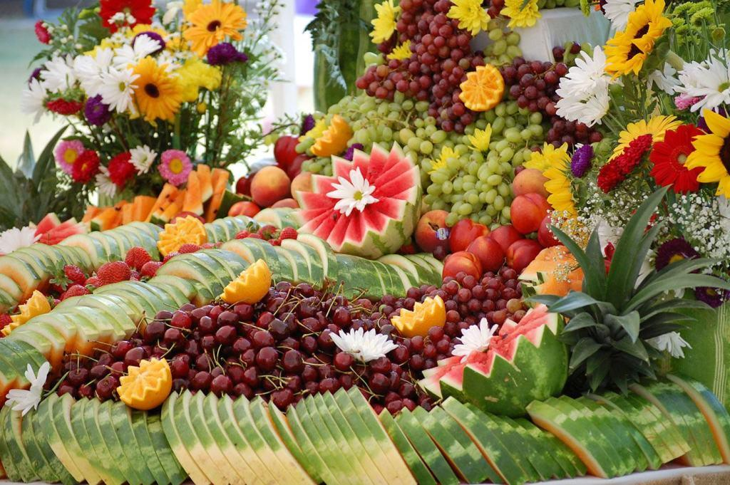 Table-of-fruits-12