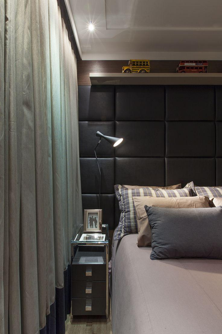 Headboard in rectangular plates to cover the entire wall