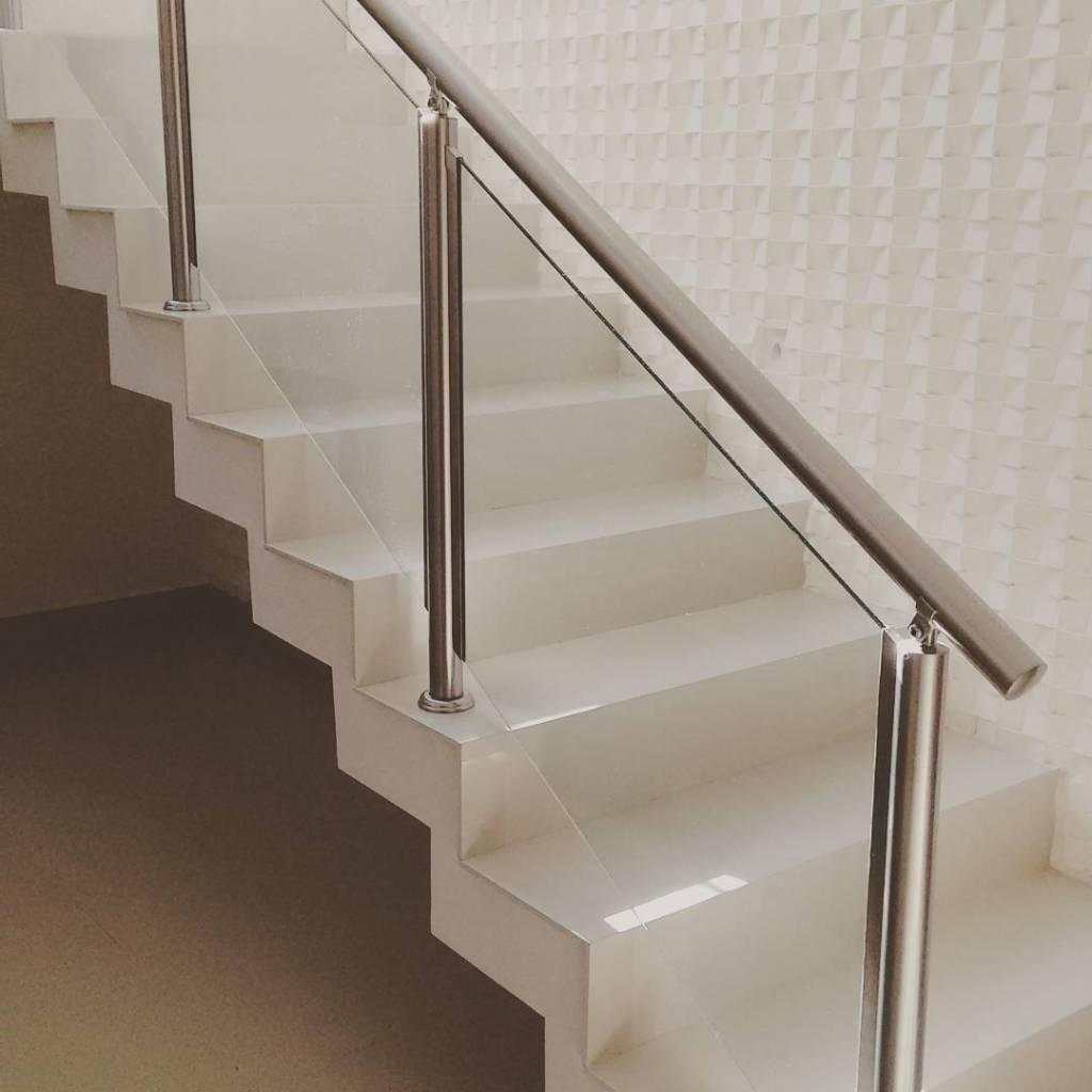Stainless steel handrail: see tips and 60 models with photos 16