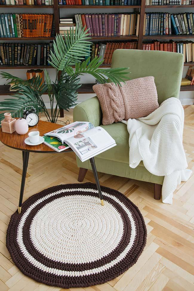 Round crochet rug for home office