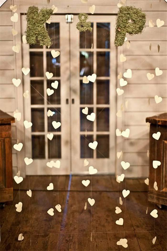 Curtain of hearts at the reception