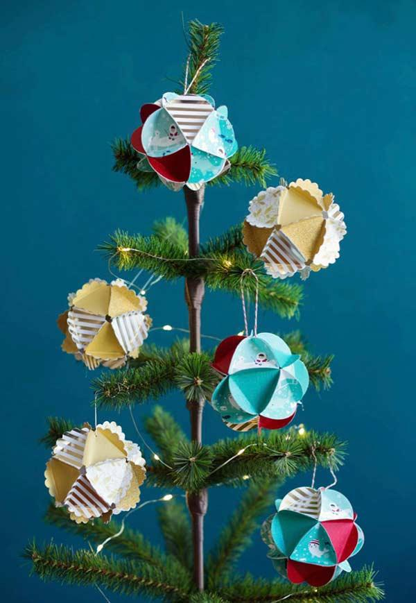 Christmas balls with paper folding