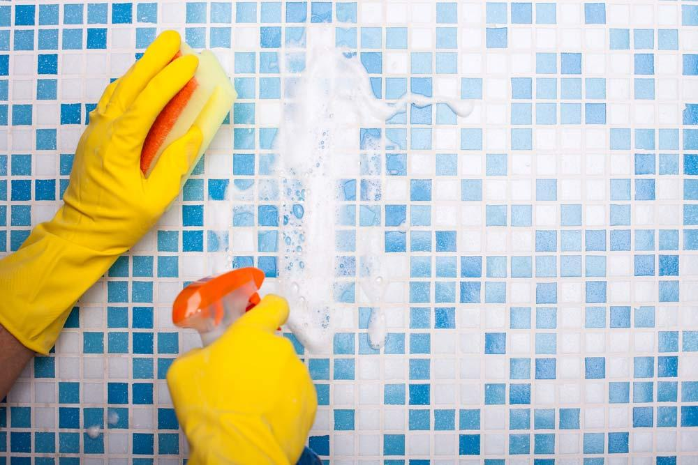 How to Clean Bathroom Tile with Multipurpose Products