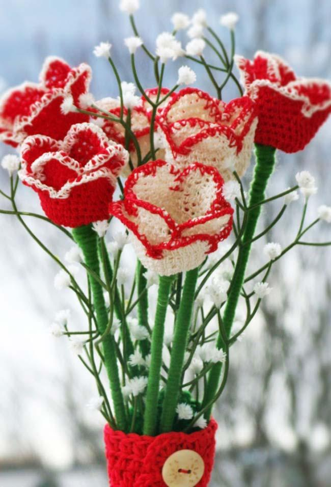 White and red crochet roses