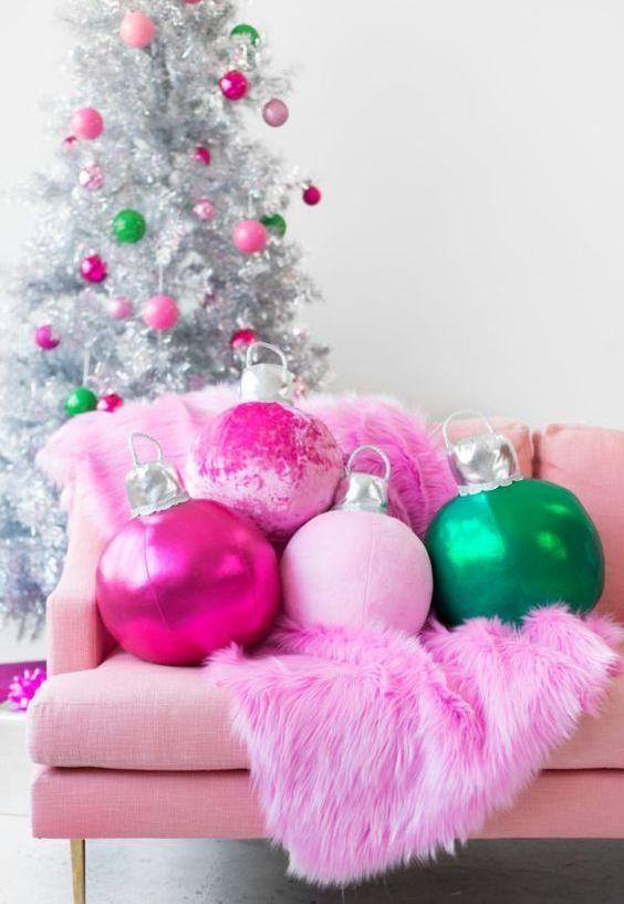 Christmas Cushions: 60 Decorating Ideas and How to Make