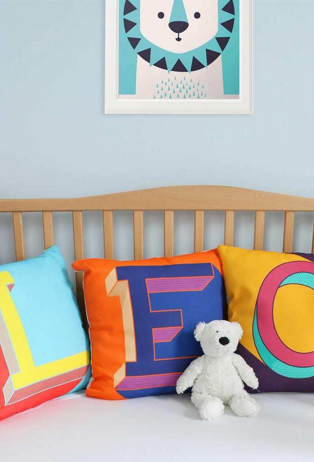Joyful colors and personality in your baby's crib