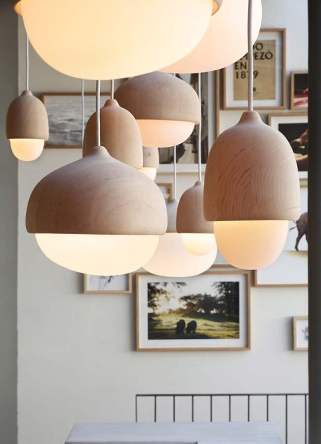 Several pendant luminaires in the living room