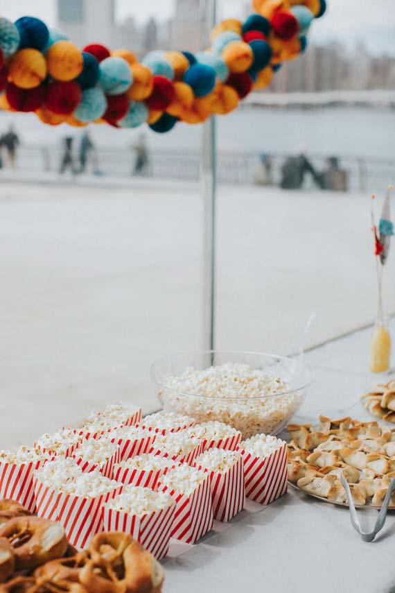 Popcorn for a simple party