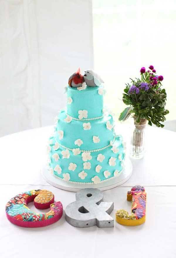 Cake with blue Tiffany decoration