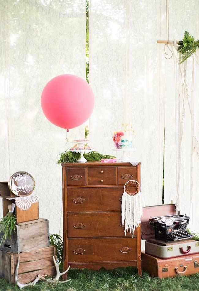 Vintage elements in Boho Chic tent