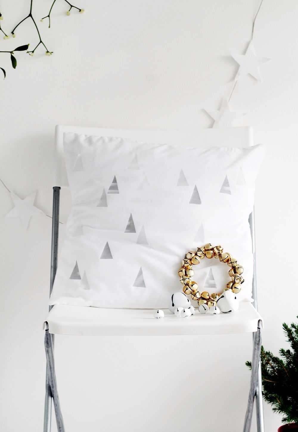 Christmas Cushions: 60 Decorating Ideas and How to Make 56