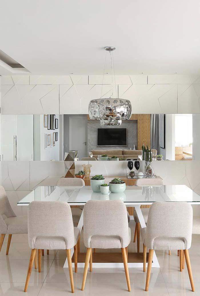 3D Dining Room Flooring and Mirror
