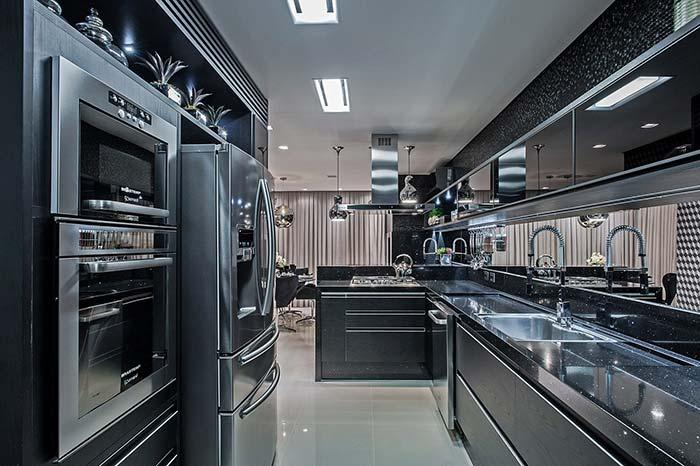 Stellar black in combination with stainless steel