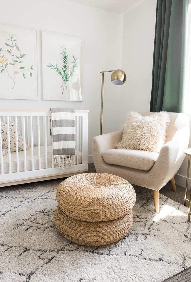 Breastfeeding armchair with tire puff and sisal rope