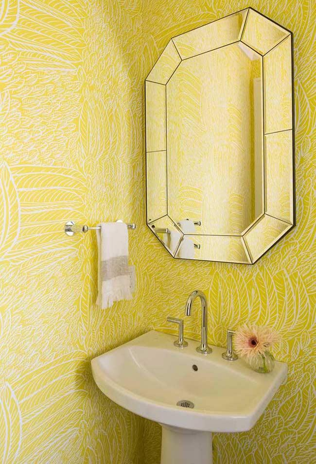 Wallpaper in yellow and white