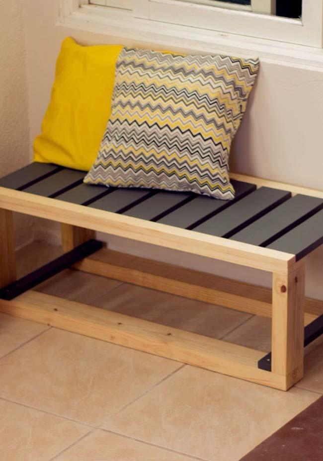 Pallet with slats painted black