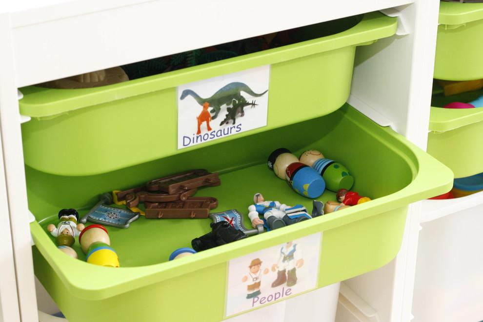 Labels to organize toys