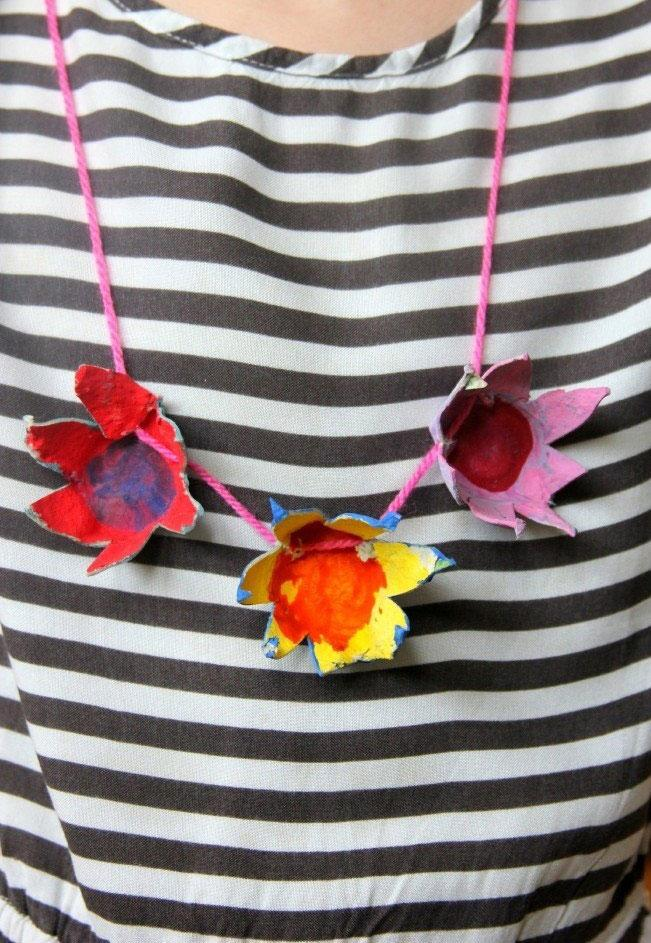 Floral necklace with egg box
