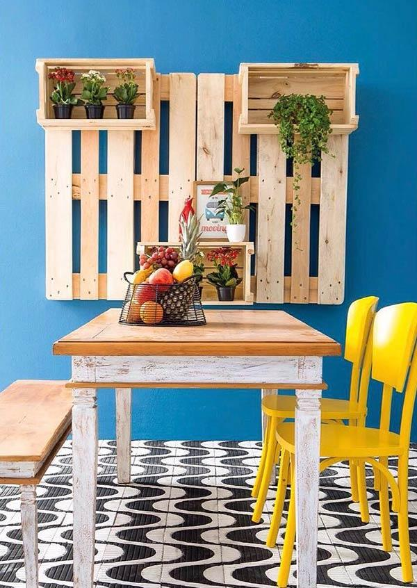 Wooden crates and pallets: a perfect match